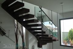 Μεταλλική σκάλα πρόβολος